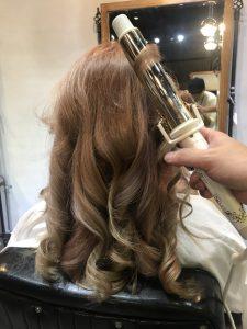 短髮捲髮 長髮捲髮 燙髮造型 Roger 柔Q燙 柔Q捲 大捲 鬆鬆的捲 捲髮造型 春夏造型 2019捲髮 2019春夏捲髮
